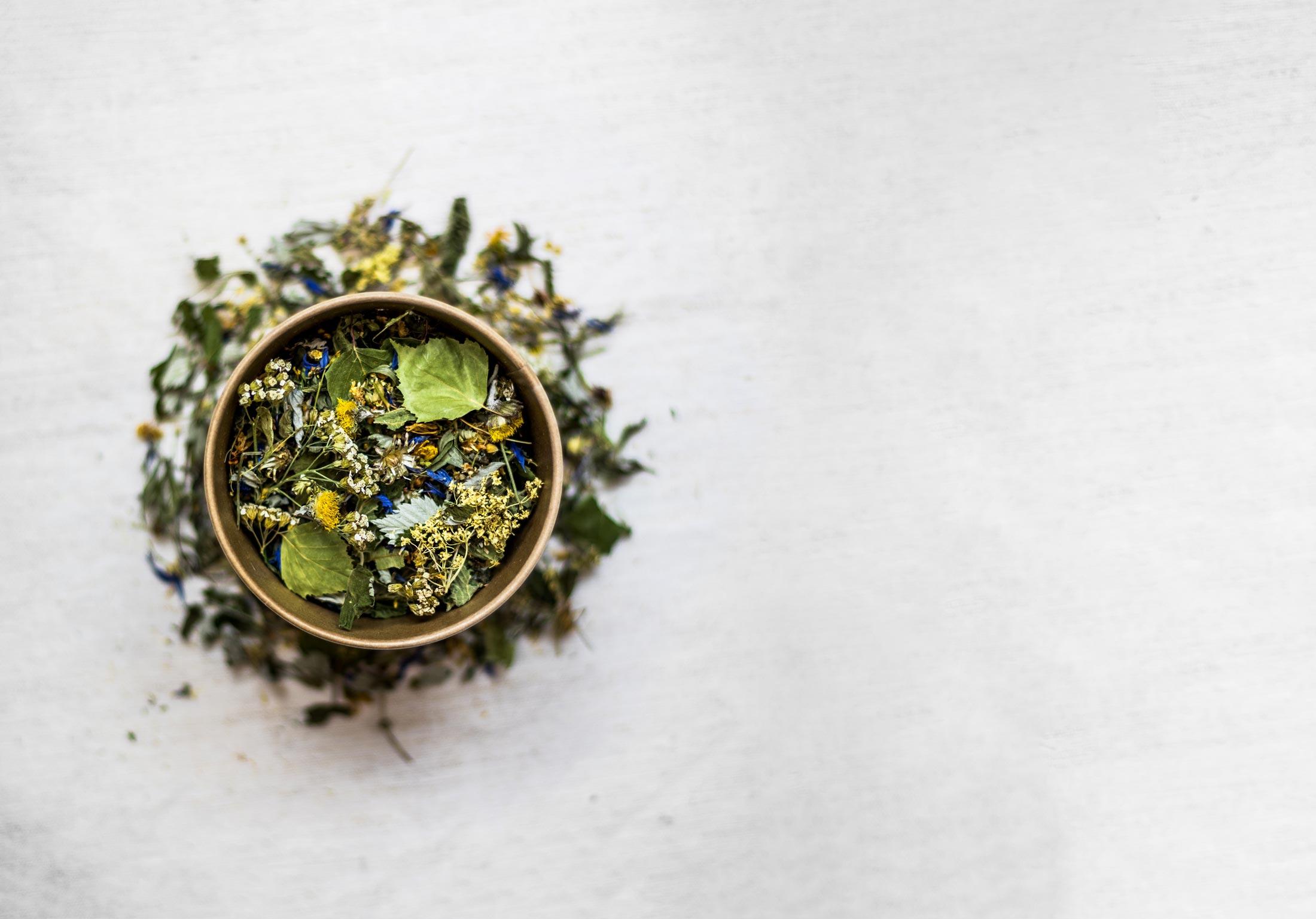 Wildkräute Tee